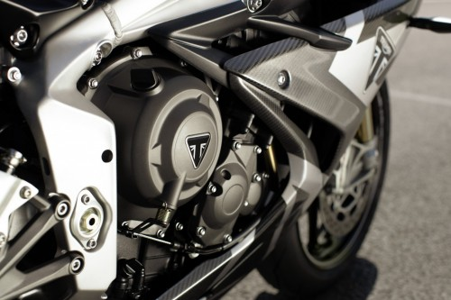 2019-Triumph-Daytona-Moto2-765-Limited-Edition-15.jpg