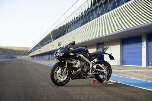 2019-Triumph-Daytona-Moto2-765-Limited-Edition-27.jpg