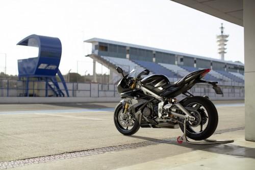 2019-Triumph-Daytona-Moto2-765-Limited-Edition-28.jpg