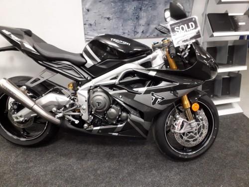 Moto2-at-Laguna-MC.jpg